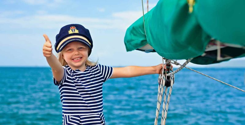 Le regole per una vacanza in mare aperto con i bambini piccoli