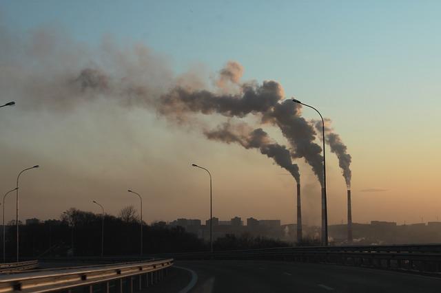 Milano in lotta contro le emissioni: come abbatterle a partire dalle scelte di guida